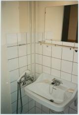 <h5>Tekniske billeder taget før renovering.</h5><p>Bruser i bunkeren to badeværelser.</p>