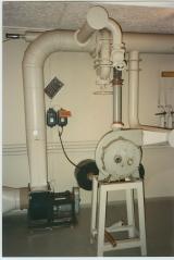 <h5>Tekniske billeder taget før renovering.</h5><p>Ventilationsrum.</p>
